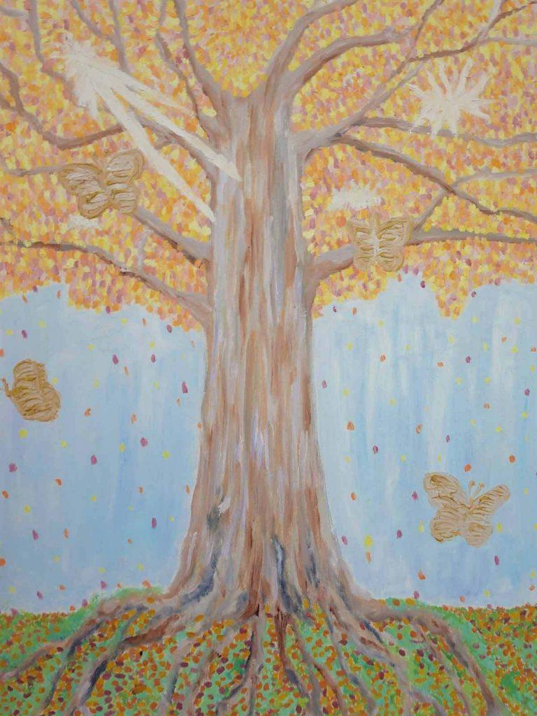 Ein Baum in Herbstoptik, von dem statt Blättern Schmetterlinge fallen, vor hellblauem Hintergrund.